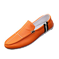 Miehet kengät PU Kevät Syksy Comfort Mokkasiinit Käyttötarkoitus Kausaliteetti Valkoinen Musta Oranssi
