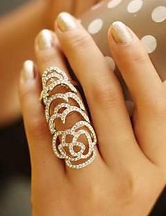 Naisten Tyylikkäät sormukset Uniikki Eurooppalainen pukukorut Muoti Kristalli Tekojalokivi Flower Shape Rose Korut Käyttötarkoitus Häät