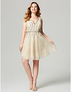 A-라인 V-넥 무릎 길이 레이스 칵테일 파티 홈 커밍 드레스 와 비즈 허리끈/리본 으로 TS Couture®