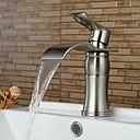 preiswerte Kuchenbackformen-Waschbecken Wasserhahn - Wasserfall Gebürsteter Nickel Mittellage Einhand Ein Loch