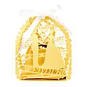 billige Gaveesker-50pcs / lot brud og brudgom laserskjæring bryllup favør boks candy box gaveeske bryllup favoriserer dekorasjon