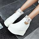 preiswerte Körperschmuck-Damen PU Winter Komfort / Modische Stiefel Stiefel Weiß / Schwarz