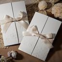 tanie Zaproszenia ślubne-Wrap & kieszonkowy Zaproszenia ślubne Zaproszenia Styl klasyczny Wytłaczany papier