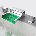 halpa Kylpyhuoneen lavuaarihanat-LED Moderni/nykyaikainen Kolmiosainen Vesiputous Messinkiventtiili Kaksi kahvaa kolme reikää Kromi, Kylpyhuone Sink hana