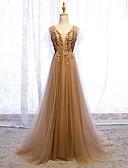 זול שמלות ערב-גזרת A צווארון V שובל סוויפ \ בראש טול נשף רקודים שמלה עם נצנצים / אפליקציות על ידי LAN TING Express