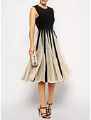 billige Aftenkjoler-A-linje Besmykket Knelang Polyester Fargeblokk Cocktailfest Kjole med Plissert av LAN TING Express