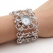 Mujer Simulado Diamante Reloj Reloj de Moda Japonés Cuarzo Reloj Casual Aleación Banda Destello Brazalete Plata