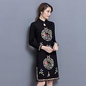 オリジナルの2017年春と夏の国家風のレトロな刺繍改善されたチャイナドレスの女性に署名