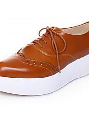 Feminino Sapatos Pele Napa Pele Primavera Outono Conforto Oxfords Creepers Para Casual Preto Marron