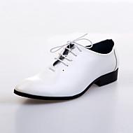 メンズ 靴 レザー 春 夏 秋 冬 コンフォートシューズ オックスフォードシューズ 編み上げ 用途 結婚式 パーティー ブラック ホワイト ブラウン