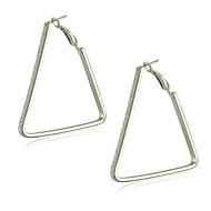 legura s zaostalim trokutnim oblicima obruča naušnice elegantan stil