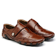 tanie Obuwie męskie-Męskie Komfortowe buty Skóra Lato / Jesień Casual Mokasyny i buty wsuwane Czarny / Brązowy