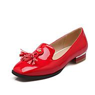 Feminino Sapatos Couro Envernizado Primavera Outono Conforto Mocassins e Slip-Ons Salto de bloco Ponta quadrada Franja(s) Para Branco