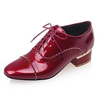 povoljno -Ženske cipele-Oksfordice-Ured i karijera / Formalne prilike / Ležerne prilike-Umjetna koža-Niska potpetica-Uglate cipele-Crna / Crvena /