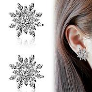 Dame Stangøreringe Mode kostume smykker Rhinsten Legering Alfabetformet Sneflage Smykker Til Fest Daglig Afslappet