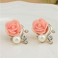 Kadın's Vidali Küpeler İnci İmitasyon İnci Yapay Elmas Küpeler Güller Çiçek Bayan Euramerican Mücevher Beyaz / Kırmzı Uyumluluk Parti Günlük