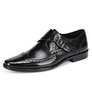 Masculino sapatos Couro Primavera Verão Outono Inverno Mocassim sapatos Bullock Oxfords Presilha Colchete Para Casamento Casual Festas &
