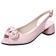 tanie Obuwie damskie-Damskie Obuwie PU Lato Comfort Sandały Spacery Block Heel Odsłonięte palce Klamra na Na wolnym powietrzu Black Beige Różowy