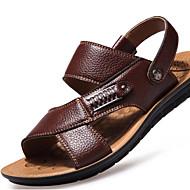 baratos Sapatos Masculinos-Homens Solas Claras Couro Primavera / Verão Conforto Sandálias Caminhada Preto / Marron / Khaki
