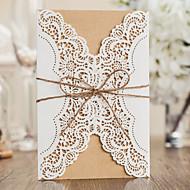 Folde og Pakke Bryllupsinvitationer Invitationskort Klassisk Stil Mønsterpræget Papir