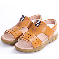 tanie Obuwie chłopięce-Dla chłopców Buty Skórzany Wiosna Jesień Comfort Sandały na Casual White Black Yellow Brown