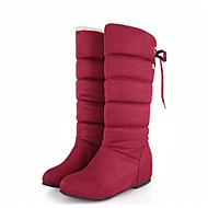 baratos Sapatos de Tamanho Pequeno-Mulheres Sapatos Pele Nobuck Primavera / Outono Conforto / Botas de Neve Botas Sem Salto Botas Cano Médio Preto / Marron / Vermelho