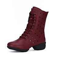 baratos Sapatilhas de Dança-Mulheres Botas de Dança Micofibra Sintética PU Meia Solas Saiu ao lado Salto Baixo Personalizável Sapatos de Dança Branco / Preto /