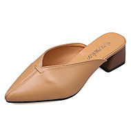 preiswerte -Damen Schuhe PU Frühling / Sommer Komfort Cloggs & Pantoletten Blockabsatz Spitze Zehe Weiß / Schwarz / Khaki