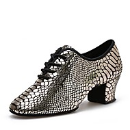 billige Kustomiserte dansesko-Dame Moderne sko Lær Høye hæler Lav hæl Kan spesialtilpasses Dansesko Gull / Ytelse