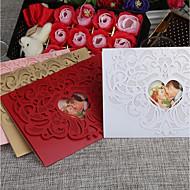 billige Tilbehør! Supersalg-Port-Fold Bryllupsinvitasjoner Kort til forlovelsesfest / Kort til bryllupsfest / Kort til navnefest Vintage Stil / Hjerte Stil