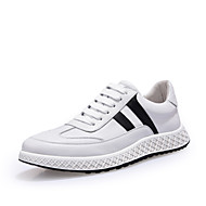 baratos Sapatos Masculinos-Homens Pele Napa Primavera / Outono Conforto Tênis Branco / Preto