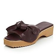 baratos Sapatos Femininos-Mulheres Pele Napa Verão Conforto Chinelos e flip-flops Salto Robusto Vinho / Amêndoa