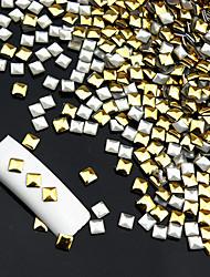 abordables -100PCS 2x2mm Cuadrado Nail Art Insignia de Oro Plata Rivet (colores surtidos)