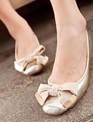 Feminino Sapatos Couro Envernizado Primavera Verão Outono Mocassim Rasteiro Para Casual Social Cinzento Preto Dourado