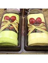abordables -Birthday Gift Sandwich Shape Fiber Creative Towel (Random Color)