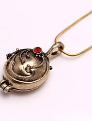 la moda del vampire diaries elena aleación collar colgante película (oro, plata) (1 unidad)