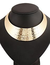 Dame Kort halskæde Erklæring Halskæder Cirkelformet Legering Europæisk Mode erklæring smykker Guld Sølv Smykker For Fest