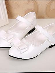 baratos -Para Meninas Sapatos Couro Envernizado / Courino Primavera / Outono Rasos Salto Baixo Preto / Branco
