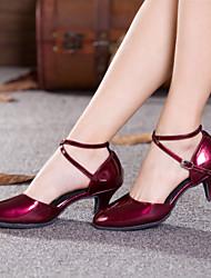 Недорогие -Жен. Танцевальная обувь Лакированная кожа Обувь для модерна Пряжки / С отверстиями На каблуках Кубинский каблук Не персонализируемая Вино / Черный / Красный / В помещении / Выступление / EU42
