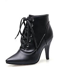 baratos -Mulheres Sapatos Courino Outono / Inverno Salto Cone 10.16-15.24 cm / Botas Curtas / Ankle Cadarço Preto / Festas & Noite