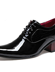 cheap -Men's Shoes Patent Leather Office & Career Oxfords Office & Career /Party & Evening Chunky Heel Black / White