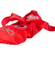 Недорогие -Обувь для балета Ткань На плоской подошве Стразы На плоской подошве Не персонализируемая Танцевальная обувь Красный / В помещении