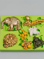 7 formas diferentes animal de la cavidad arte hecho en casa& Moldes de la arcilla del silicón del arte para los cabritos aleatoriamente color