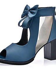 baratos -Mulheres Sapatos Couro Ecológico Primavera / Verão Conforto Saltos Salto Robusto / Salto de bloco Peep Toe Laço para Social Preto / Azul
