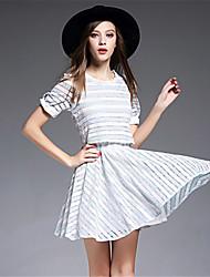 signe 2016 été mode bande frais petit vent parfumé faux deux robe en dentelle brodée à manches courtes