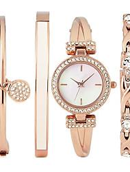 Ceas Elegant Ceas La Modă Ceas de Mână Ceas Brățară Quartz imitație de diamant Oțel inoxidabil BandăBoem Charm Brățară rigidă Cool Casual