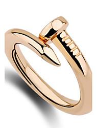 la conception des anneaux de bande anneau de femmes uniques mode euroaméricains style personnalisé simple, en alliage de zinc bijoux