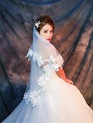 cheap -One-tier Lace Applique Edge Wedding Veil Elbow Veils Fingertip Veils 53 Appliques Lace Tulle