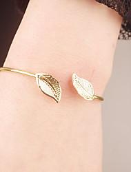 billige -Dame Manchetarmbånd - Bladformet Mode Armbånd Guld Til Speciel Lejlighed / Forlovelse