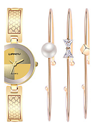 baratos -Mulheres Bracele Relógio / Relógio de Pulso Impermeável / Resistente ao Choque / Legal Aço Inoxidável Banda Vintage / Casual / Boêmio Dourada